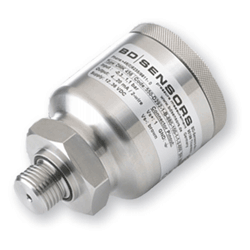 Pressure transmitter for marine operating conditions